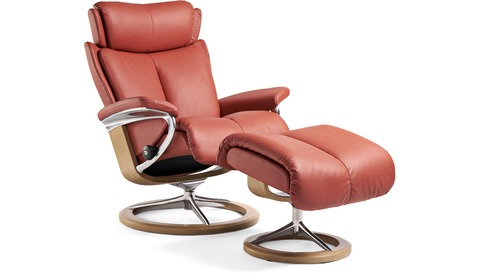Stressless® Magic Leather Recliner - Signature Base